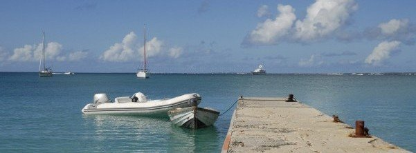 dinghy-dock-boats-in-caribbean-harbor